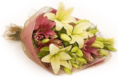 Send anniversary flowers delivery to malta by malta florists